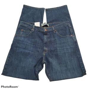 Wrangler men's relaxed fit straight leg jeans w35